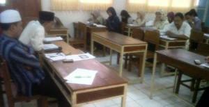 Rapat dipimpin oleh Ketua Panitia SALAM, Bapak. Drs. H. Dedi Hadi Rizki, dan dihadiri oleh kepala SMP Labschool Jakarta, H. Ali Chudori