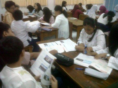 Siswa Aktif Belajar Bersama kelompoknya