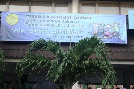 Tema MOS SMP labschool Jakarta tahun ajaran 2012-2013