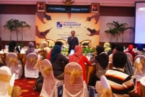 Johan Wahyudi Ketika Menjadi Pembicara di Kompasiana Blogshop Surabaya
