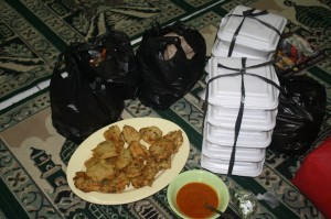 Makanan Berbuka untuk kaun Dhuafa