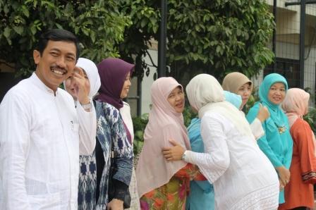Halal Bi Halal Unit SMA Labschool jakarta