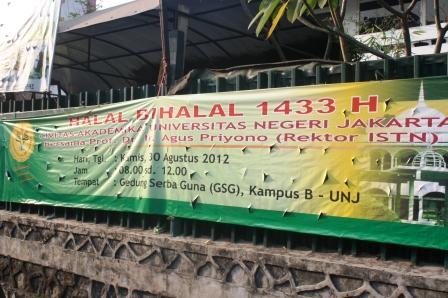 Kegiatan Halal Bi Halal di Kampus UNJ