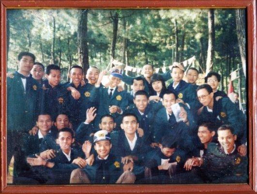Foto Kenangan dengan teman-teman Mahasiswa angkatan 90 FPTK IKIP Jakarta