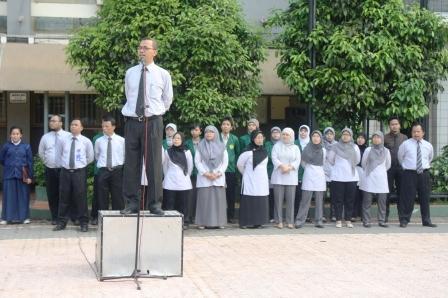 Pak Ali Chudori, memberikan pengarahan kepada para peserta upacara
