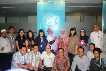 Foto Bareng usai Diskusi di Kantor UNDP