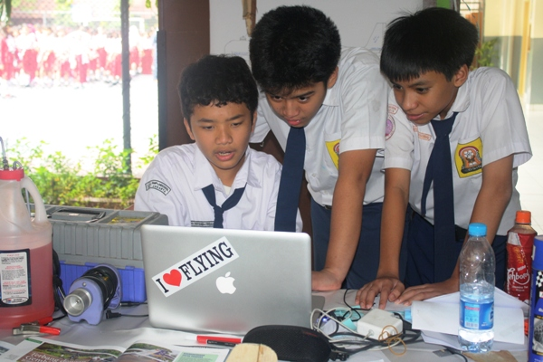 Blog di Internet dapat meningkatkan Minat Baca Sswa