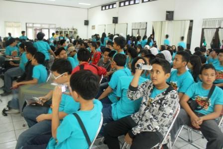 siswa smp labschool jakarta di Pabrik gula Madukismo