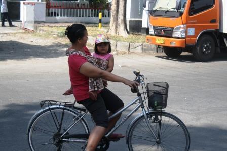 Asyik bersepeda di Yogyakarta