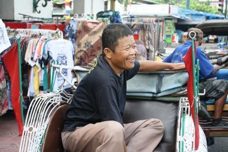 Senyum Tulus Seorang Tukang Becak di Malioboro