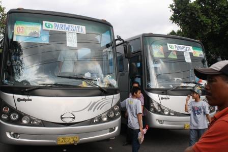 Parkir Bus Rombongan