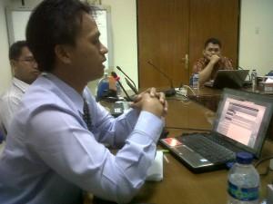 Presentasi Makalah dari Pak Guru Hebat (SMAN 9 Yogyakarta) di KGB 2012