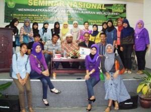 Omjay dan Mahasiwa UBH Padang