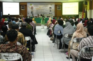Seminar Kurikulum 2013 bersama Ibu Dewi Sri Handayani Nuswantari, S.Pd