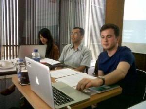 Andrew Smith dan Judy Taing menyampaikan hasil penelitian dan rekomendasi ARTICLE 19 tentang Right to Blogging di depan para blogger Indonesia, Jum'at 5 April 2013 di Hotel Morrissey Jakarta. Blogger dari Jakarta, Bogor, Depok, Tangerang, Bekasi, dan dari luar Jabodetabek mendiskusikan apa yang dipaparkan mereka.