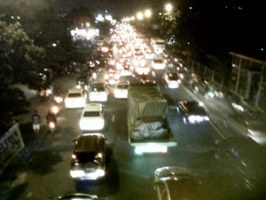 Kemacetan di jalan Pemuda saat pulang kerja
