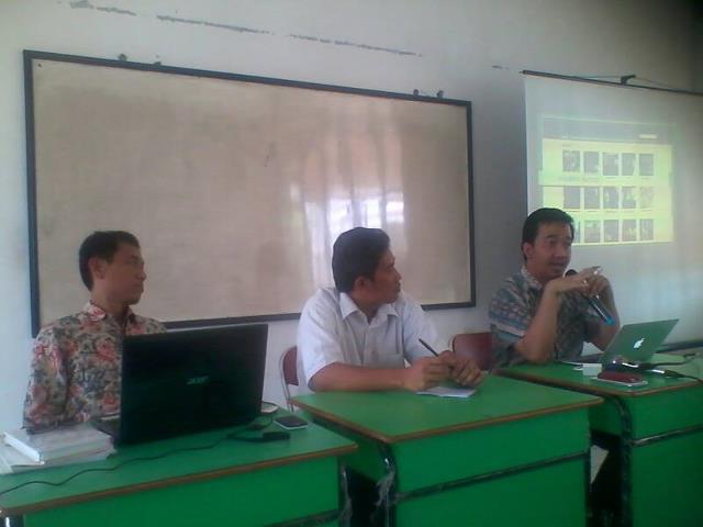 Presentasi Petisi UN oleh Mas Khresna