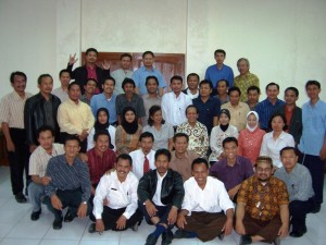 Foto kenangan mengikuti PLPG diUNJ bersama teman-teman guru