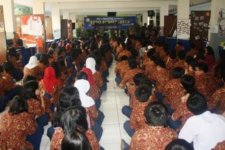 Kegiatan Expo Ekskul di SMP Labschool Jakarta