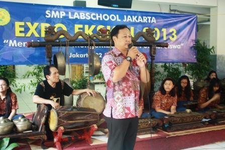 Bapak Yusuf Sidarto Memberikan Sambutan dan laporan Ketua panitia