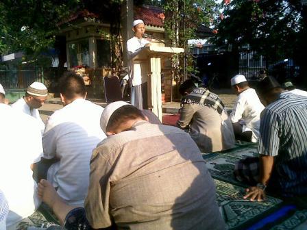 Laporan ketua Masjid baitul Ilmi Labschool, Pak sarmilih