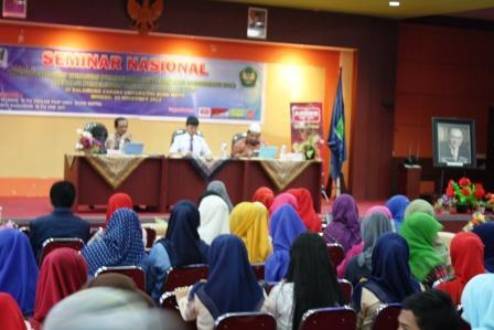 Seminar Nasional PTK di Universitas Bung Hatta Padang