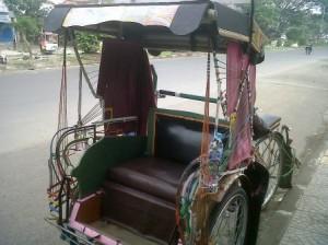 becak di jalan jamika bandung