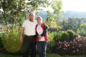 Omjay bersama Istri Tercinta