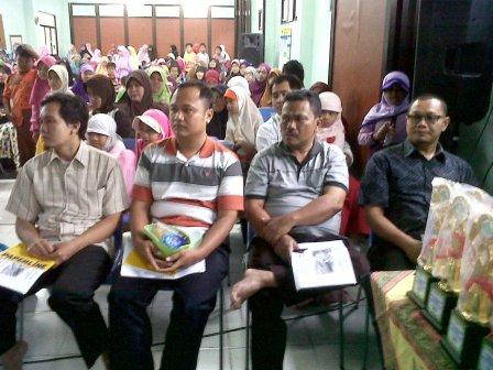 Seminar Parenting di SMPIT Permata Hati