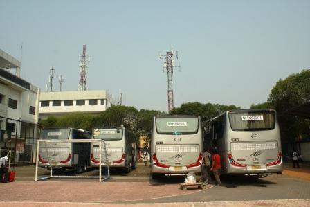 Rombongan Bus INVITA ke Yogyakarta