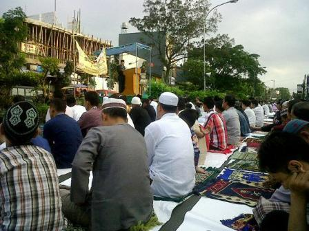 Sholat dan ceramah Idul Fitri 1435 H di Jamika Bandung