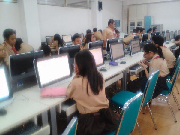 belajar tik di smp labschool jakarta